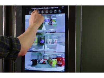Интернет-холодильник Samsung Family Hub